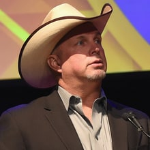 Garth Brooks to Cover Randy Travis, Skynyrd on New Box Set