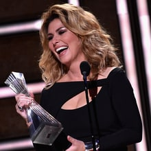 Shania Twain Charms at CMT's 'Artists of the Year,' Promises New Music