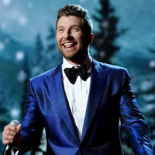 See Brett Eldredge's Suave 'Merry Little Christmas' on 'GMA'
