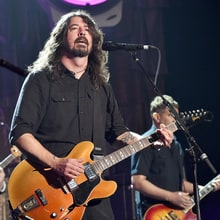 Dave Grohl, Bob Weir, Sammy Hagar Lead Acoustic-4-A-Cure Benefit Concert