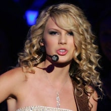 Flashback: Taylor Swift Lights Up a Cheating Ex