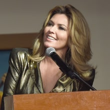 See Shania Twain Preview Her New Exhibit at Country Music Hall of Fame