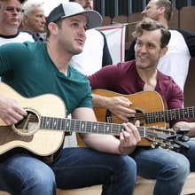 See Easton Corbin Help U.S. Veterans Group at Surprise Michigan Visit