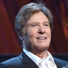 Chicago's Robert Lamm Talks Peter Cetera Absence at Rock Hall