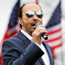Inauguration Singer Lee Greenwood: 'Donald Trump Is a Patriot'