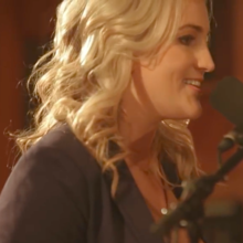 See Jamie Lynn Spears' Flirty, Acoustic Performance of 'Sleepover'