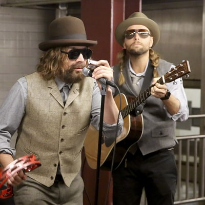 Watch Disguised Maroon 5, Jimmy Fallon Busk in New York City Subway