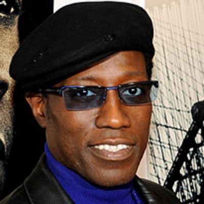 Wesley Snipes Reports to Prison for 3-Year Stay