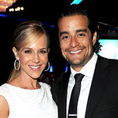 PIC: See Julie Benz's $80,000 Engagement Ring