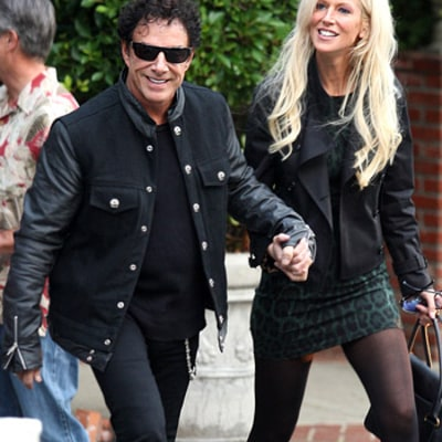 Michaele Salahi Flashes $15,000 Diamond Ring from Neal Schon