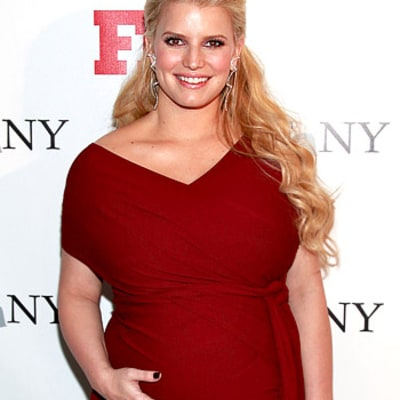 Copy Jessica Simpson's Hot Holiday Manicure