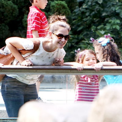 Katie Holmes, Suri Head to Central Park Zoo