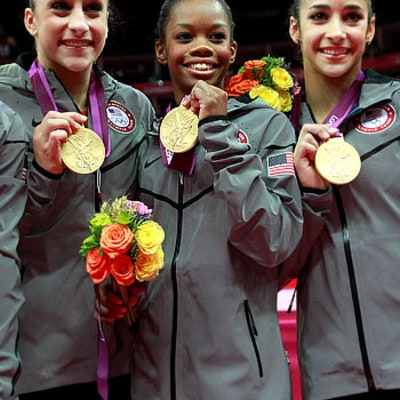 USA's Women's Gymnastics Team Meets Kate Middleton!