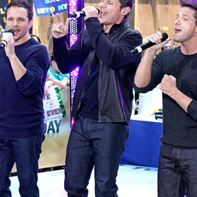 Nick Lachey Reunites With 98 Degrees for TODAY Concert