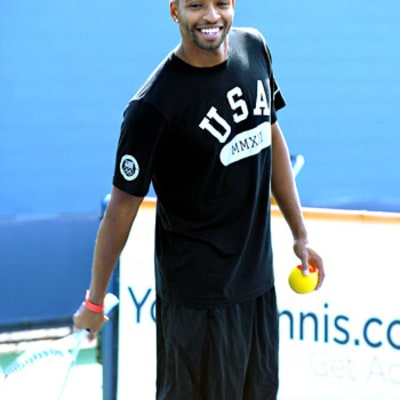 Cullen Jones Plays Tennis With Kids at the US Open!