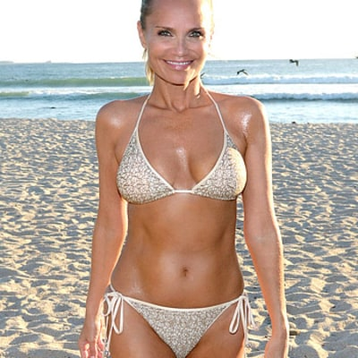 Kristin Chenoweth Models Slim, Toned Bikini Body, Weighs 88 Pounds