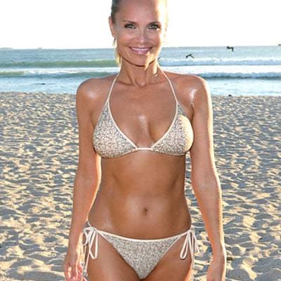 Kristin Chenoweth Insists She Has a Belly Despite Weighing Only 88 Pounds