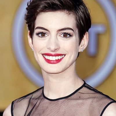 Anne Hathaway's Bold Brows: Get the Look!