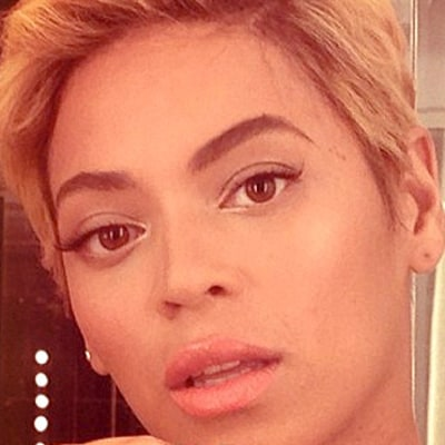 Beyonce Removes Long Hair Extensions, Debuts Blonde Pixie Cut