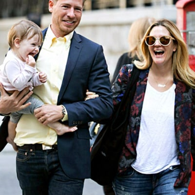 Drew Barrymore Takes Out Baby Olive in NYC: Gorgeous New Pictures!