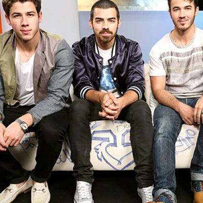 Jonas Brothers Pen Open Letter Thanking Fans After Breakup, Give Team Jonas Members New Music