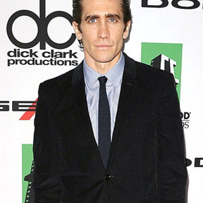 Jake Gyllenhaal Rushed to Hospital For On-Set Hand Injury