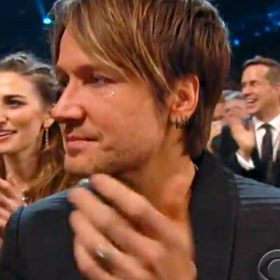 Keith Urban Cries During Grammys Wedding, Katy Perry Catches Bouquet