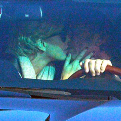 Charlize Theron, Sean Penn Make Out in Car at Stoplight: Picture