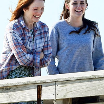 Kristen Stewart Films Still Alice on Chilly New York Beach After Dinner Out With Her Dad: Picture