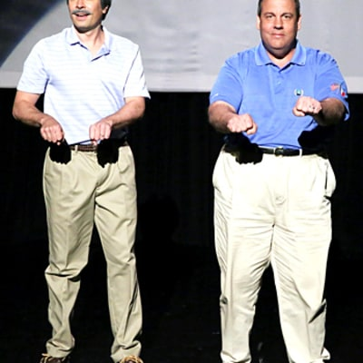 Chris Christie and Jimmy Fallon Perform Embarrassing Dad Dance Moves on The Tonight Show: Video