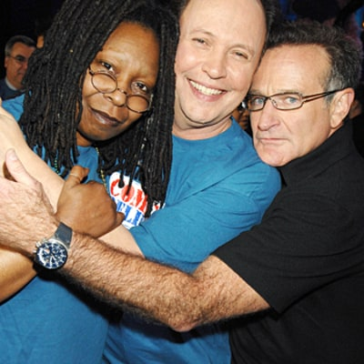 Robin Williams Mourned By Whoopi Goldberg, Billy Crystal, Jennifer Lopez, and More Celebs