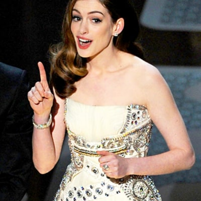 Anne Hathaway Jokes About Hosting the Oscars With James Franco, Her Infamous Oscars Dress, More: Watch Now!