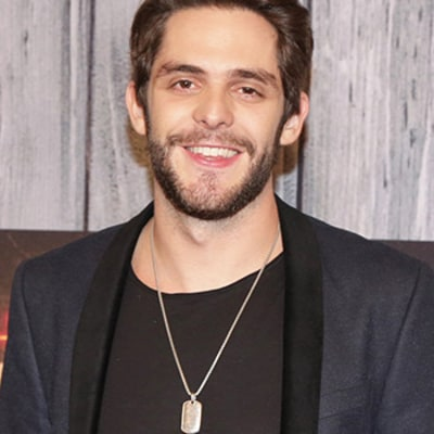 Exclusive: Thomas Rhett Reveals His Favorite Love Songs For Valentine's Day