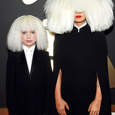 Grammys 2015: Sia Hides Face With Massive Platinum Wig on Red Carpet With Maddie Ziegler
