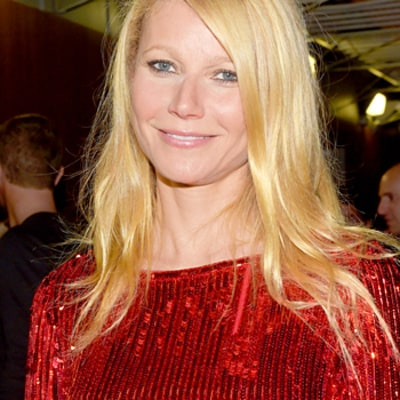 Gwyneth Paltrow Teaches Kids Apple, Moses the Difference Between a
