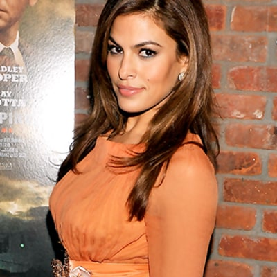 Eva Mendes Doesn't Like Jeans, Either