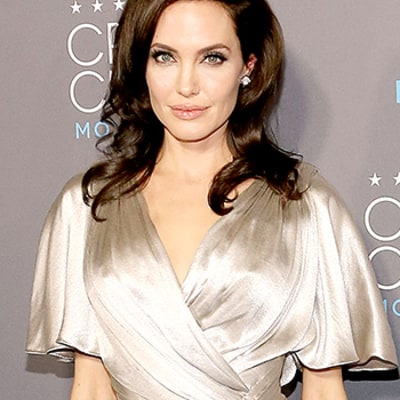 Angelina Jolie Has Ovaries Removed Due to Cancer Risk