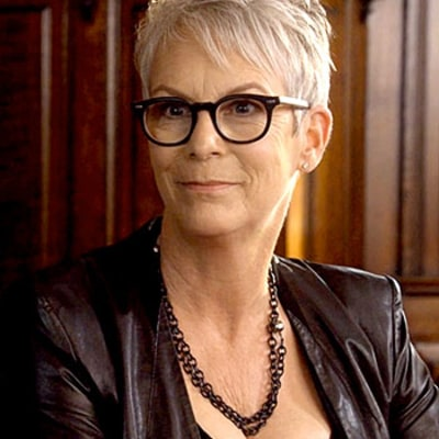 Jamie Lee Curtis Wears the Same Pushup Bra as Kylie Jenner, Gets Sexy on the Set of Scream Queens