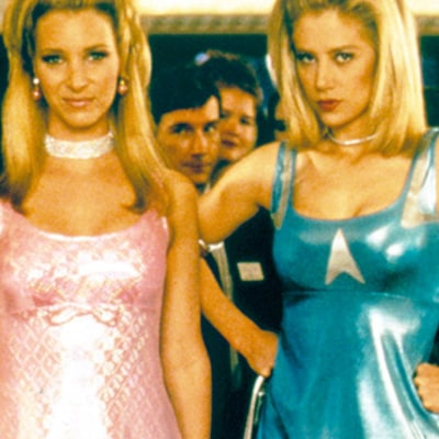 Mira Sorvino Apologizes to Inventor of Post-its 18 Years After Romy and Michele's High School Reunion Role: Watch!