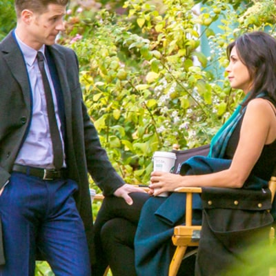 Pregnant Morena Baccarin, Ben McKenzie Cozy Up on Gotham Set After Pregnancy News: Photos