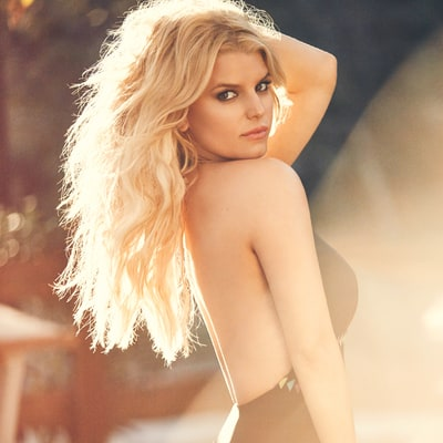 Jessica Simpson Is Beyond Sexy in This Plunging, Backless Swimsuit