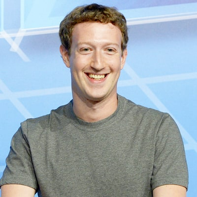 Mark Zuckerberg Returns to Facebook After Paternity Leave, Can't Decide What to Wear: See the Funny Pic!