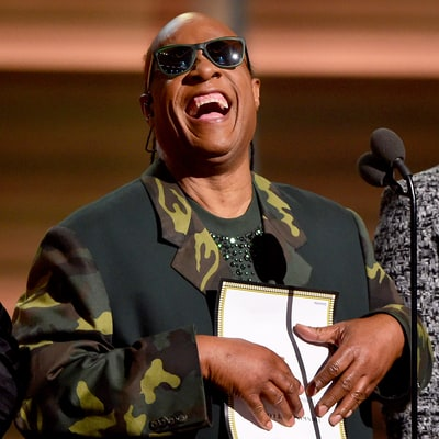Stevie Wonder Jokes About Grammys 2016 Winner's Card in LOL Moment
