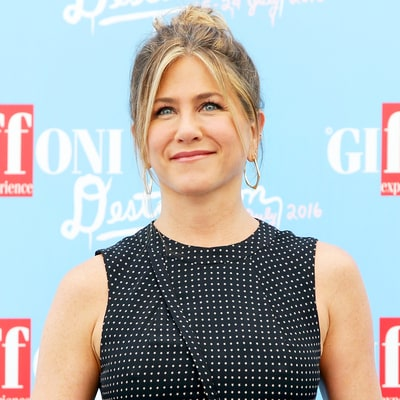 Jennifer Aniston Tears Up Telling Kids About Her Insecurities