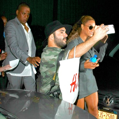Jay Z Shuts Down Fan Trying to Take a Selfie With Beyonce, Pushes Him Out of Her Way