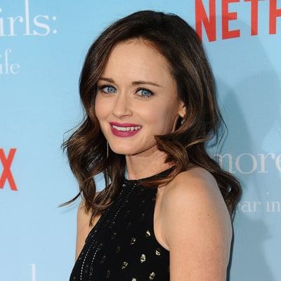 Alexis Bledel Talks More 'Gilmore Girls' Episodes, Rory's Baby Daddy