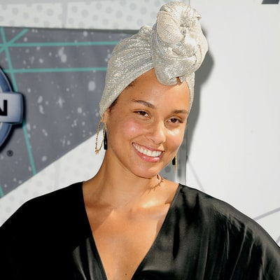 Alicia Keys Goes Without Makeup on the 2016 BET Awards Red Carpet