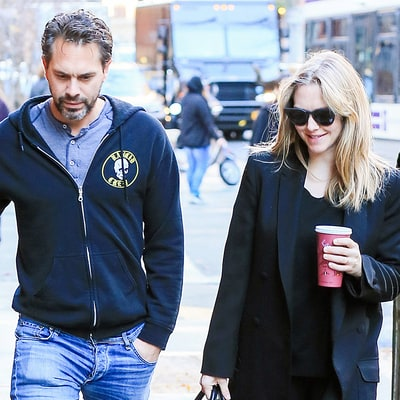 Amanda Seyfried Steps Out With Fiance Thomas Sadoski After Pregnancy News