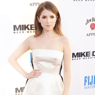 Here's How Anna Kendrick Turned Her Naturally Curly Hair Into Smooth, Glamorous Waves
