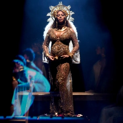 Grammys 2017: Beyonce Performs for the First Time Since Announcing She's Pregnant With Twins